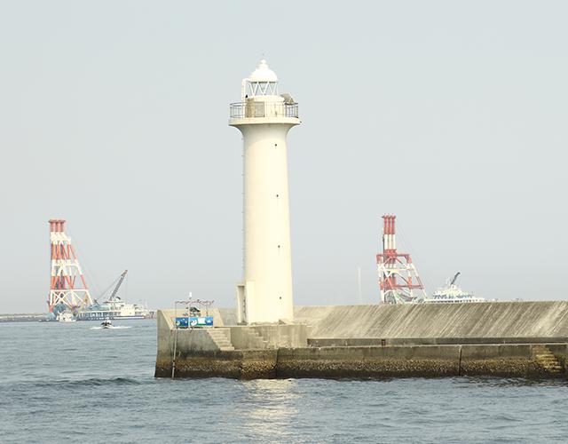 第6防波堤(クノ字・白灯台)